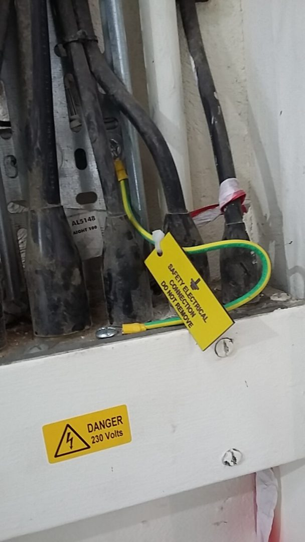 Earth wires in fuse box basildon